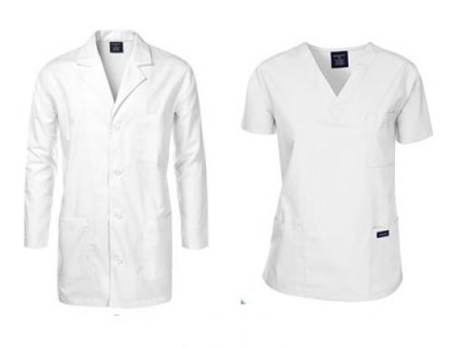 Uniforme: de medic, asistent(ă)